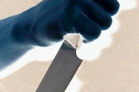 Arbeiter bei Aufräumungsarbeiten mit Messer bedroht / AT Innsbruck