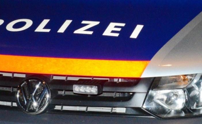 16.01.2019 AT Wien: Alkoholisierte Frau würgt ihre Bekannte mit Gürtel und attackiert Polizisten