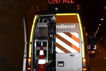 Unfall mit schwerem Sachschaden auf der Inntalautobahn  – Zeugenaufruf / AT Wörgl