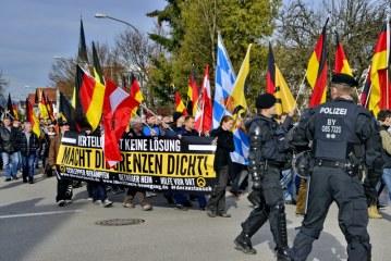 """4. Demo in Freilassing – """"Wir sind die Grenze"""" / DE – AT Freilassing – Salzburg"""