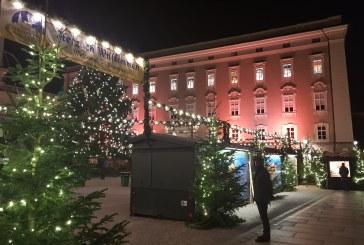 24.12.2018 AT Salzburg: Ruhe ist am Christkindlmarkt eingekehrt.