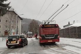 02.01.2019 AT Salzburg Stadt: Glatteis legt den Verkehr lahm