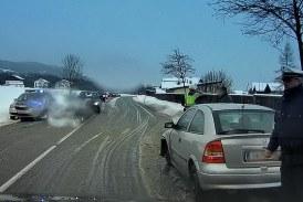 26.01.2019 AT Eugendorf: Verkehrsunfall bei winterlichen Straßenbedingungen