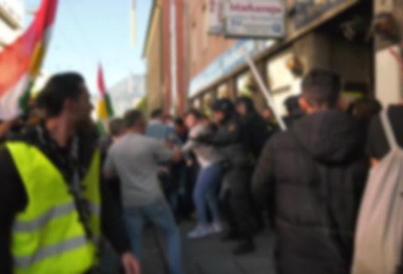 12.10.2019 AT Salzburg: Körperverletzung im Zuge einer Demonstration