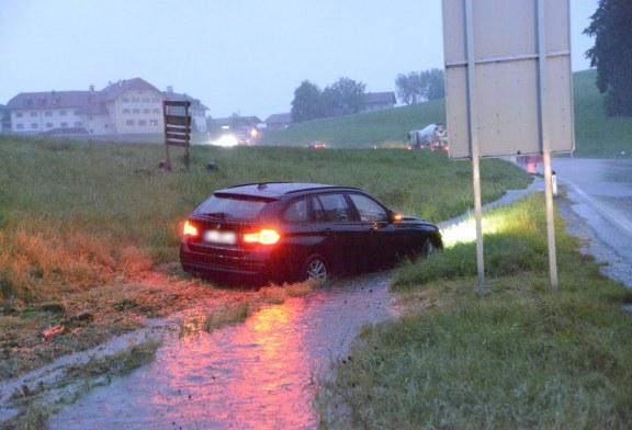 04.08.2020 AT Eugendorf: Zwei Unfälle an der gleichen Stelle innerhalb kurzer Zeit