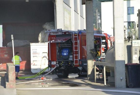 10.08.2020 AT Salzburg: Brand in einem Abfallzwischenlager.