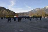 """21.11.2020 DE Bad Reichenhall: Kundgebung """"Wir schauen nicht weg!"""" für den Normalzustand"""